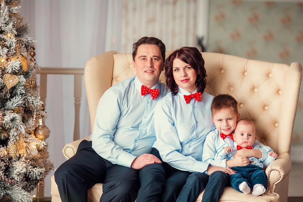 варианты одежды для новогодней фотосессии семьей материал